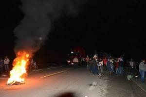 20160614 Barricada en Nochixtlan