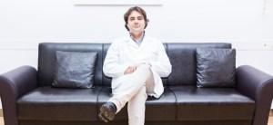 Il dottor Domenico Giglietto, chirurgo plastico ed estetico e responsabile dell'ambulatorio di Medicina estetica del Centro San Camillo di Bari