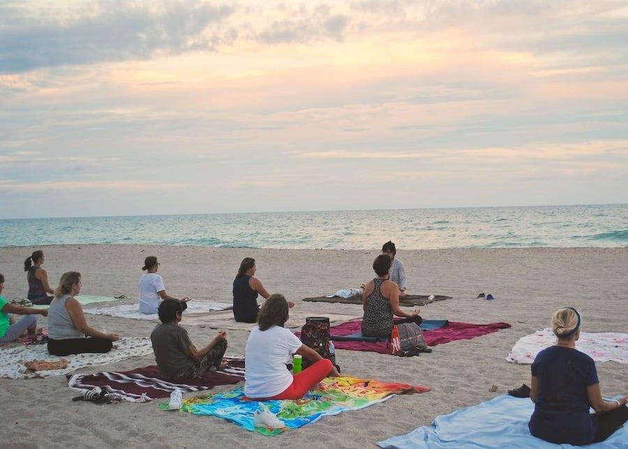 Hatha Yoga al centro SI.AMO