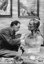 Elk Eber lavora al busto di Winnitou