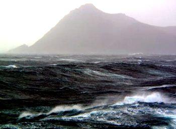 Lontano da tutto, nell'oceano in tempesta: Walter Bonatti sull'isola di Capo Horn
