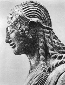 Apolo de Veyes. Estatua etrusca en terracota (550 - 520 a. C.) Museo Etrusco Nacional de Villa Giulia en Roma.