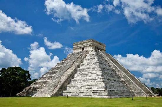 Il sangue del Sole. Cenni sulla ricorrenza e il significato del sacrificio umano nella tradizione solare mesoamericana e peruviana