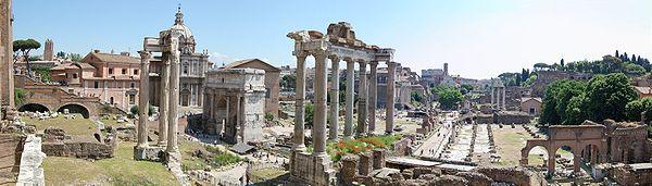 Veduta grandangolare del Foro romano