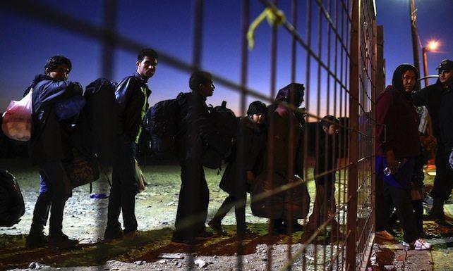 Migranti. Europa fa l'accogliente con i muri degli altri