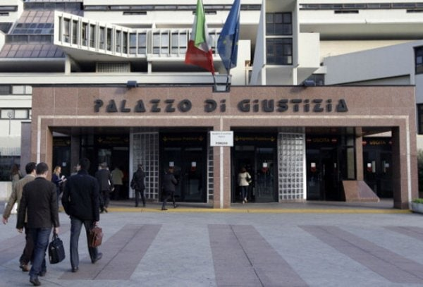 """La Corte d'Appello di Napoli ordina la trascrizione di un """"matrimonio"""" contratto all'estero da due persone dello stesso sesso"""