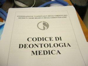 Copertina del codice di deontologia medica