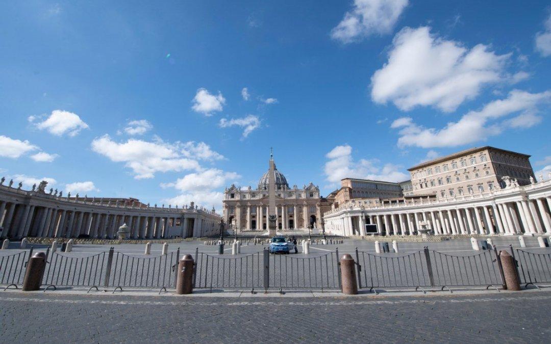 Coronavirus, chiude anche San Pietro: il Vaticano si blinda