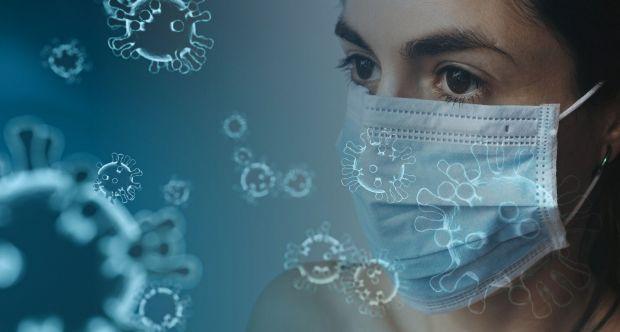 Coronavirus-personale sanitario con mascherina