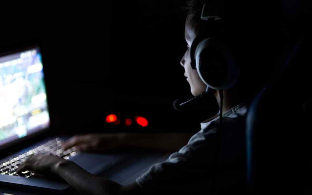 COVID-19: dipendenza del bambino dai videogiochi per quarantena