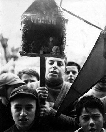 Bruni Bruno, Ragazzi con presepe, 1955