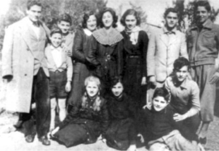 Pasolini con i suoi allievi di Ciampino (sito Proloco Ciampino)