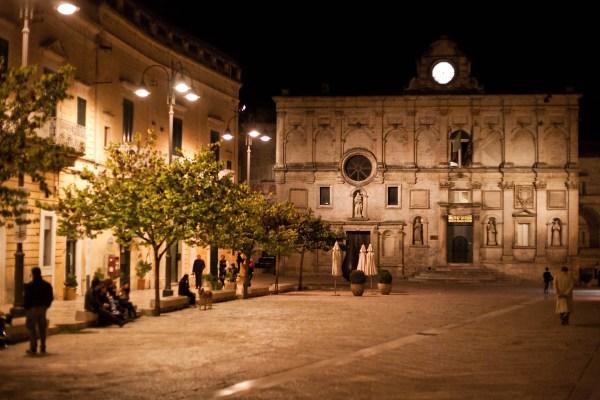 Palazzo Lanfranchi di notte.