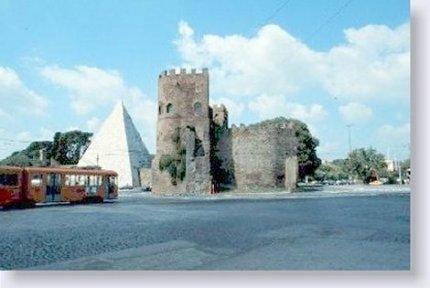 Roma.Vecchio tram