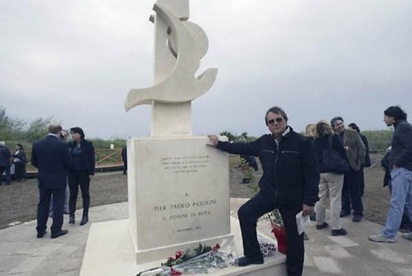 Ostia. Mario Rosati e il suo monumento all'Idroscalo (1^ novembre 2005)
