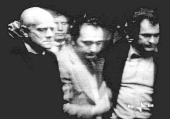 Alberto Moravia, Enzo Siciliano e Bernardo Bertolucci ai funerali romani di Pasolini