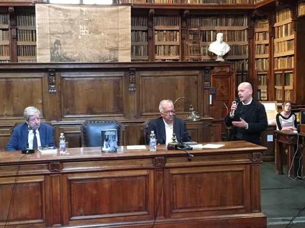 """Mauri, Veltroni e Zabagli durante la presentazione del volume """"La biblioteca di Pasolini"""""""