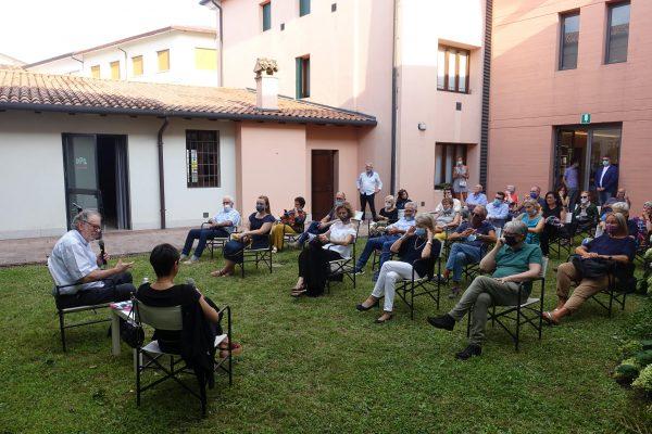 Inaugurata con successo la nuova mostra del Centro Studi con le fotografie di Sandro Becchetti a Pasolini