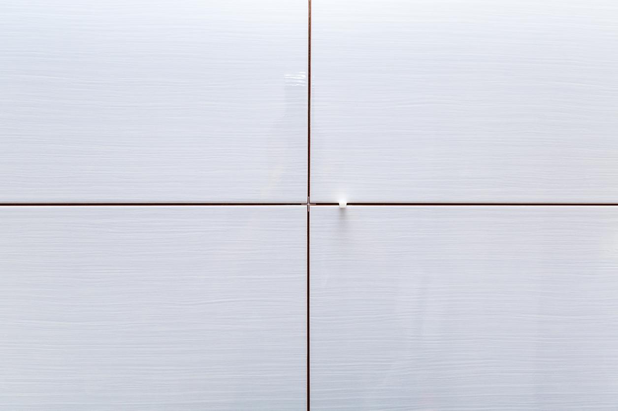 https www centuratools ca en blog post installing large format wall tiles