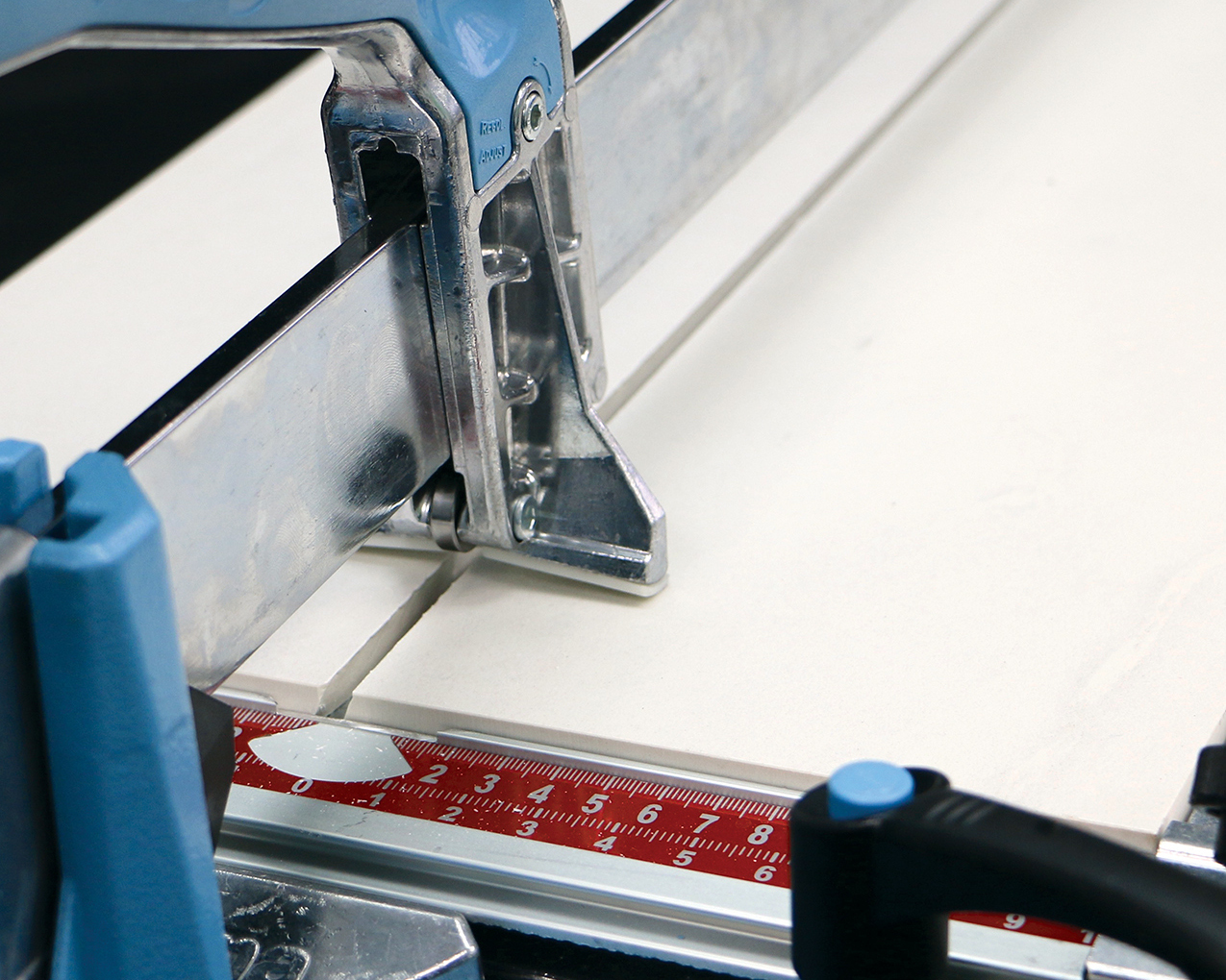 a guide for buying the right tile cutter