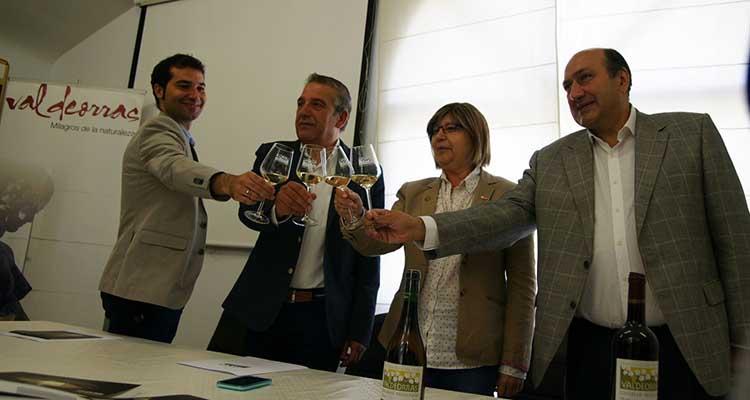 Brindis recibimiento en sede Consello Regulador Valdeorras-w