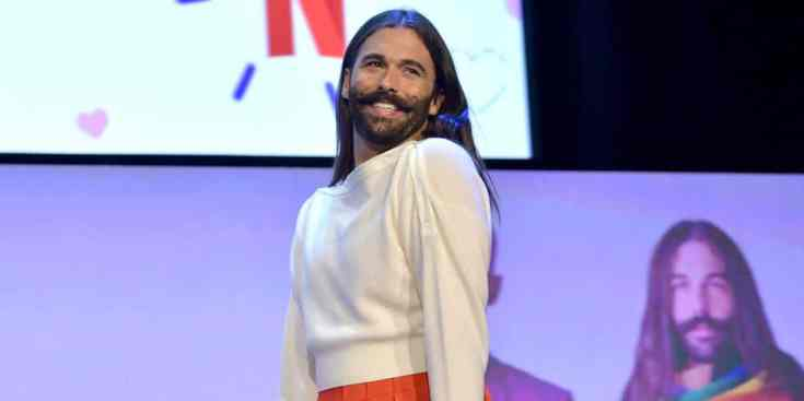 Jonathan Van Ness, alla ribalta grazie alla serie Queer Eye, ha recentemente fatto coming out come persona non binaria.