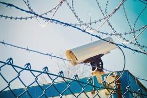 Les CRA, des prisons pour étrangers