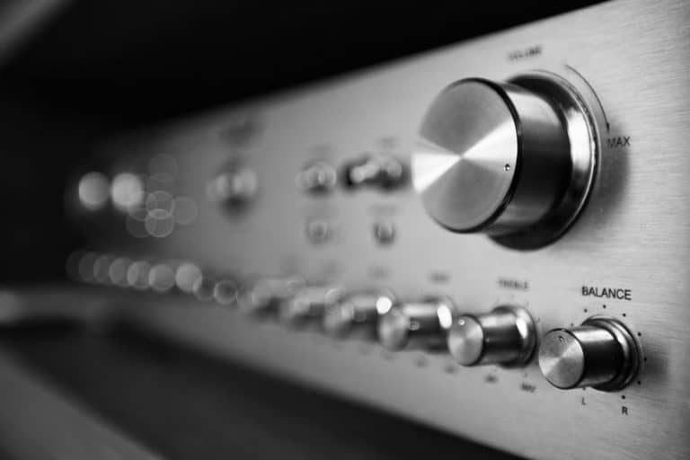 Amplificatore Hi-Fi argentato