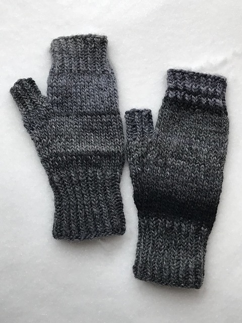 Easy and Fast Fingerless mitts v2
