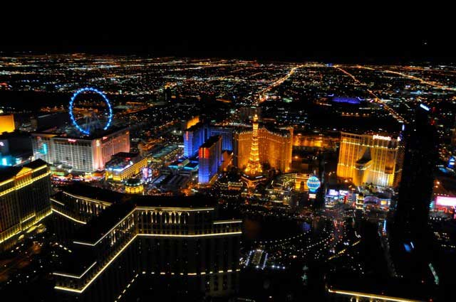 Vegas Wedding Packages include HIgh-Roller-Wedding-Ceremony-Aerial
