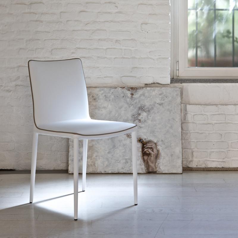 chaise magia dossier bas blanc