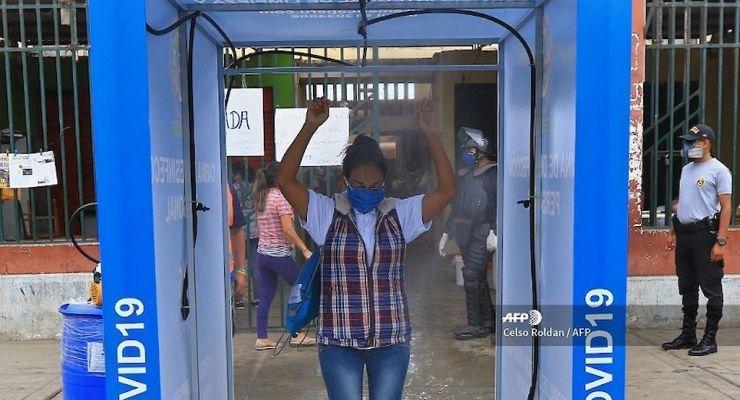 Son efectivos los túneles desinfectantes para evitar el contagio del Covid-19