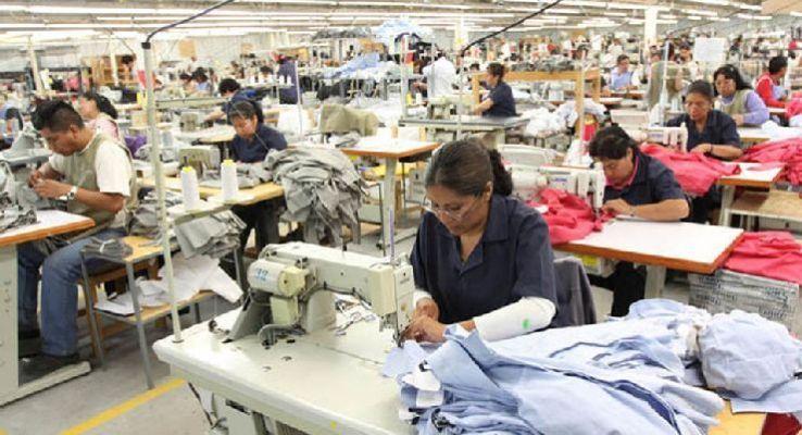 Cómo evitar las malas posturas en las estaciones de costura