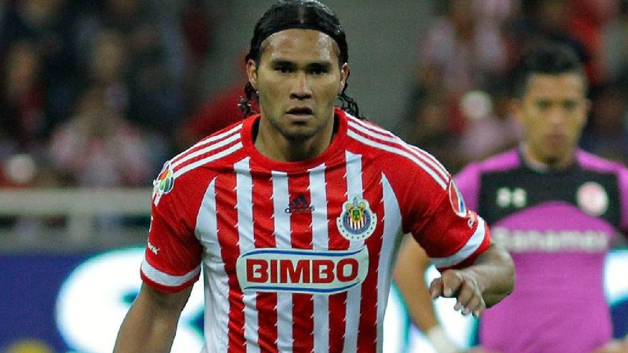 Gullit Peña confiesa que salió de Chivas por falta de dinero