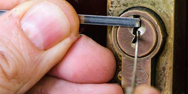 como-abrir-cerradura-de-puerta-sin-llave