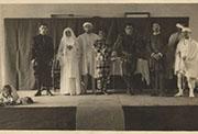 Federico García Lorca (primero por la izquierda) en «Don Juan Tenorio». Madrid, Residencia de Estudiantes, 1 noviembre 1920. Colección Fundación Federico García Lorca.