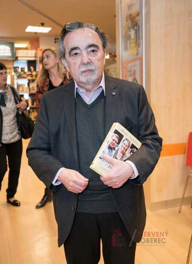 krest_knihy_basnici_foto_10