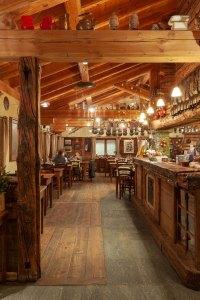 Alpage Restaurant and Bar