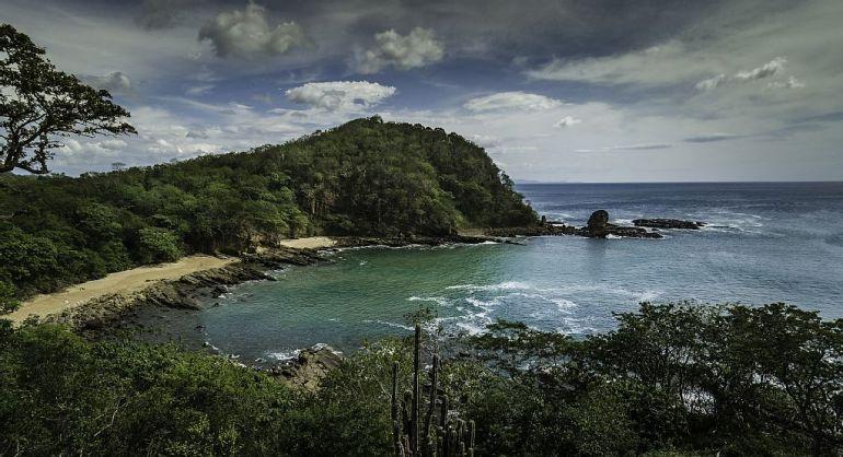 Paradise Bay - Cesi Pagano - Bay 2