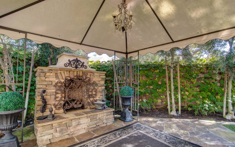 Outdoor Fireplace Aliso Viejo
