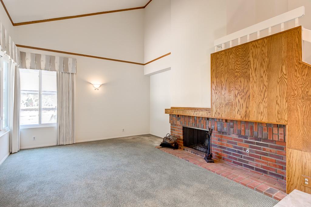 Living Room Laguna Hill