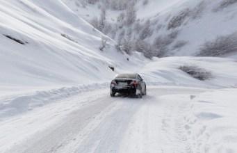 Jazda v zime autom na hory