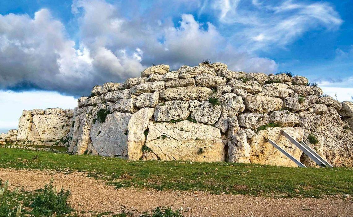 Ġgantija, Malta dünyanın en eski yerleşim yerleri Dünyanın En Eski Yerleşim Yerleri gantija Malta