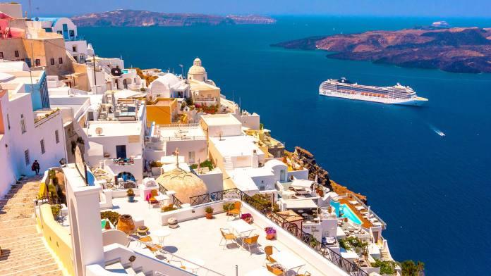 Yunanistan- Santorini Balayı en İyi balayı yerleri En İyi Balayı Yerleri Yunanistan Santorini 696x392