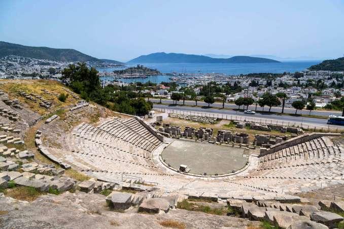 Bodrum Gezilecek Yerler Bodrum Antik Tiyatrosu 678x452