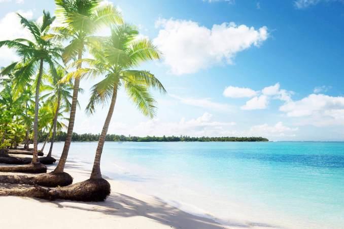 Temmuz Ayında Gidilecek Yerler Ada Kum Güneş Temmuz Ayında Gidilecek Yerler Dominik Cumhuriyeti Temmuz 678x452