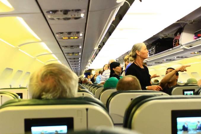 Uçak Yolculuğu Sırasında Yapmamanız Gerekenler