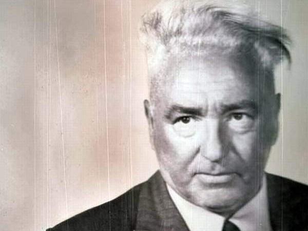 Pseudo-Psicoterapia: OVNIS, Cloudbusters, Conspirações e Paranóia na Psicoterapia de Wilhelm Reich