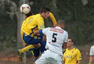 El Atlético de Ceuta tampoco pudo ganar en Cádiz.