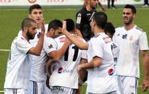 Jugadores del Atlético de Ceuta celebran uno de los goles contra el Recrea B